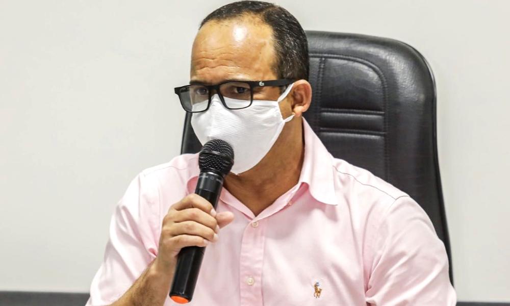 Elinaldo lidera corrida eleitoral em Camaçari, aponta nova pesquisa