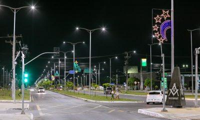 Instalação de iluminação natalina é iniciada em Camaçari