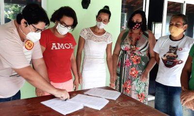 Tagner e Ivoneide registram termo de compromisso em prol da saúde animal em Camaçari