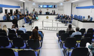 Vereadores, suplentes, prefeito e vice-prefeito são diplomados em Camaçari