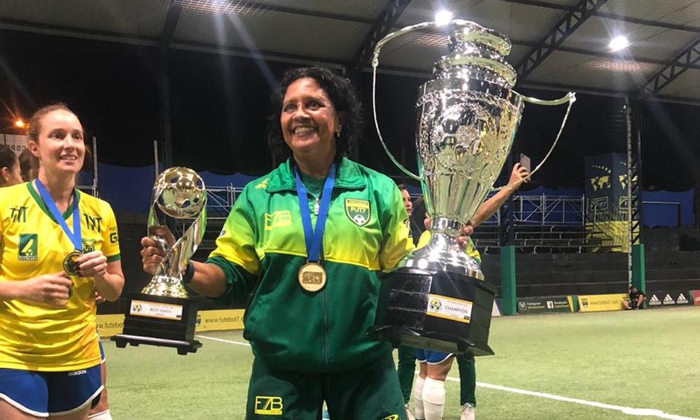 """""""Foi suado demais"""", relata Dilma sobre conquista da Copa América de Fut7"""