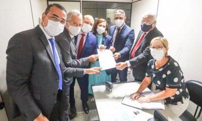 Junior Borges protocola chapa que irá concorrer à mesa diretora da Câmara em 2021
