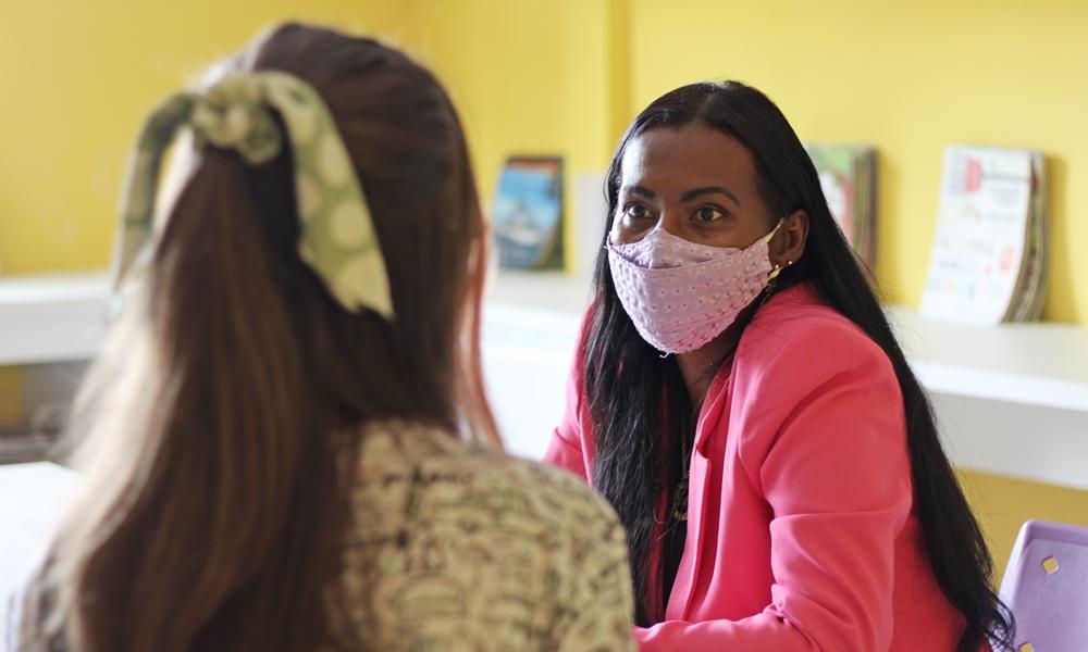 Angélica defende melhorias na saúde e educação de Camaçari