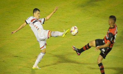 Vitória bate Botafogo-SP e põe fim ao fantasma da série C