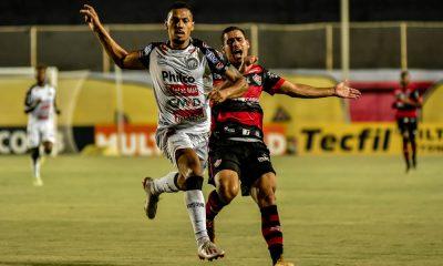 Vitória empata no Barradão e segue na parte de baixo da tabela