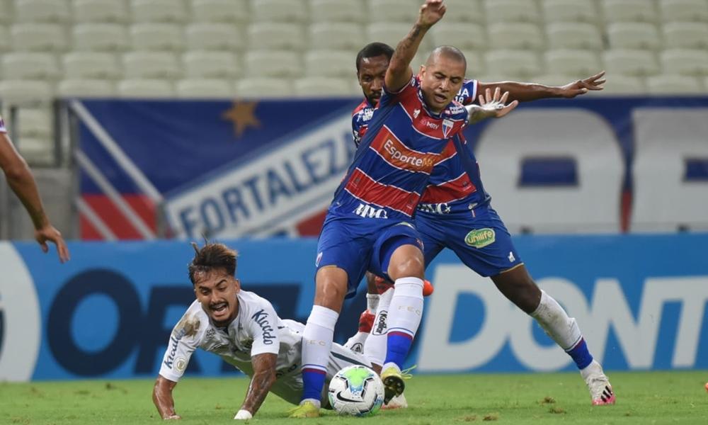 Fortaleza bate o Santos em casa e liga alerta do Bahia