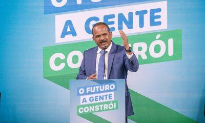 """""""Quero o secretariado presente nas ruas da cidade, em contato com a comunidade"""", dispara Elinaldo"""