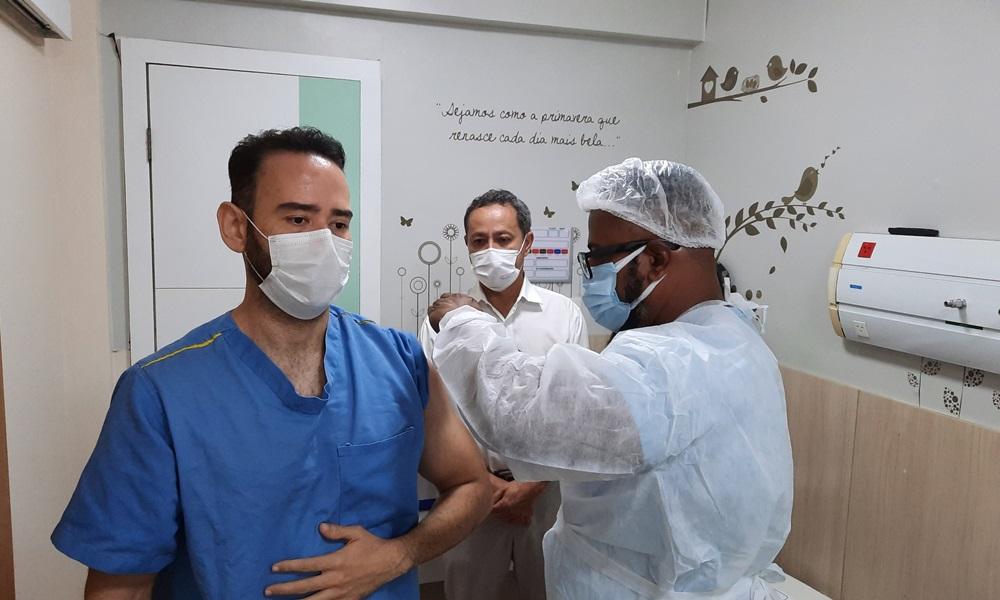 Coronavírus: mais de 200 mil pessoas já foram vacinadas na Bahia
