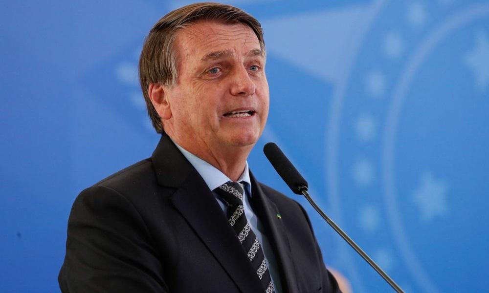 Pagamento do auxílio emergencial deve começar em 4 ou 5 de abril, afirma Bolsonaro