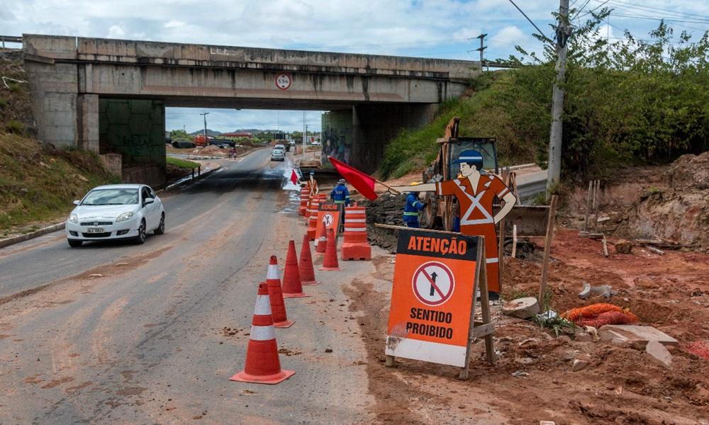 Ramo de ligação entre Via Parafuso e Avenida Industrial Urbana é bloqueado