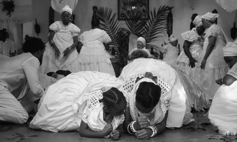 Obra fotográfica retrata tradições do candomblé em Barra do Pojuca