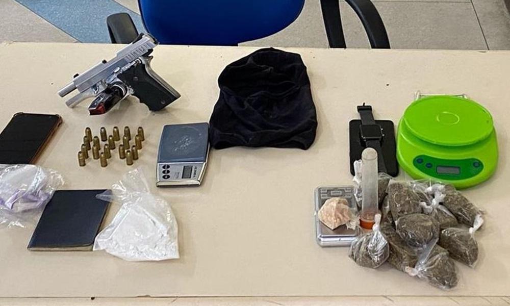 Polícia Militar realiza grande apreensão após denúncias sobre tráfico de drogas em Camaçari