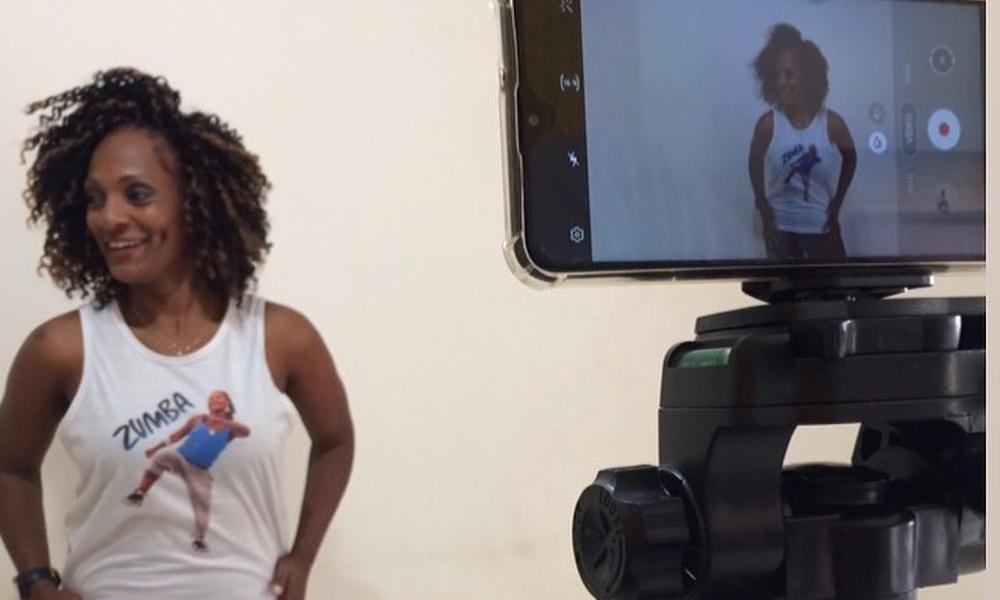 New Dance: em tempo de pandemia, professora de zumba se reinventa com aulas online