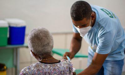 Vacinação contra Covid-19 para idosos a partir de 80 anos começa neste sábado