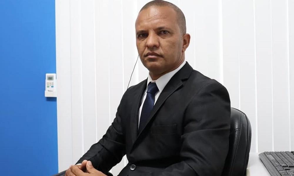 Deni de Isqueiro defende instalação de farmácia 24 horas em UPA e PAs na costa de Camaçari