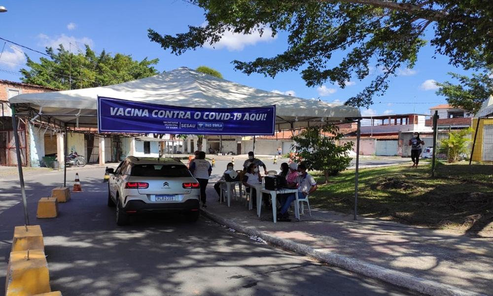 Dias d'Ávila inicia vacinação contra Covid-19 em idosos com idade a partir de 69 anos nesta sexta
