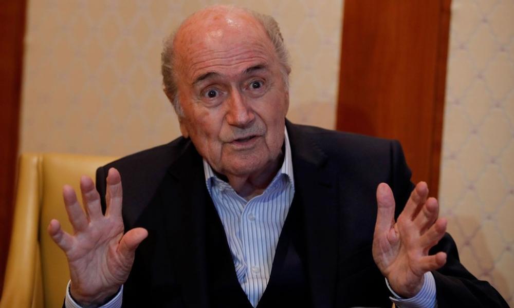 Ex-presidente da Fifa, Blatter recebe novas punições devido a bônus