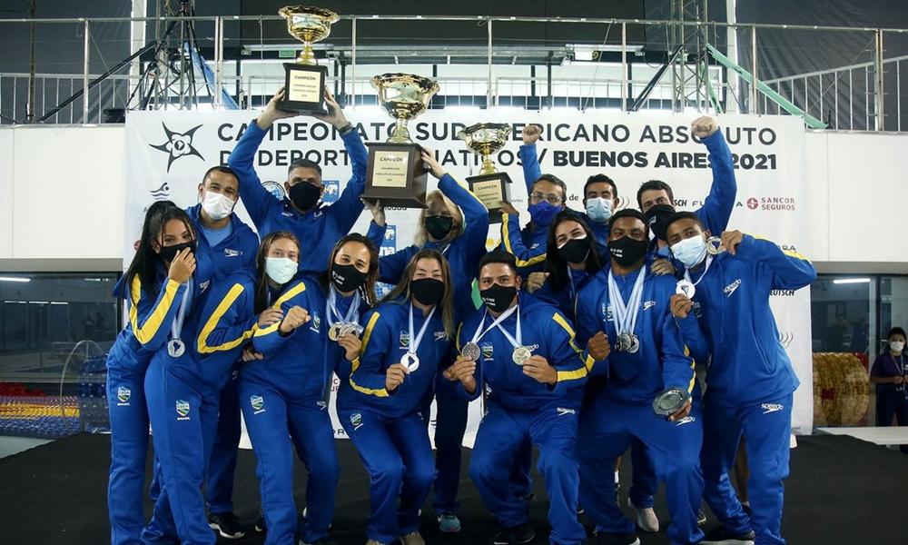 Seleção feminina de polo aquático confirma título no Sul-Americano