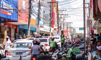 Veja imagens do primeiro dia de reabertura do comércio em Camaçari