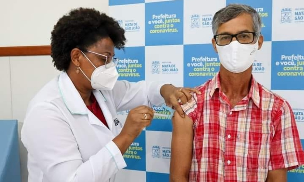 Mata de São João amplia vacinação para todos os profissionais da educação