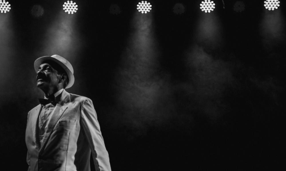 Teatro Gamboa Online: Cartola é homenageado no show As Rosas não Falam