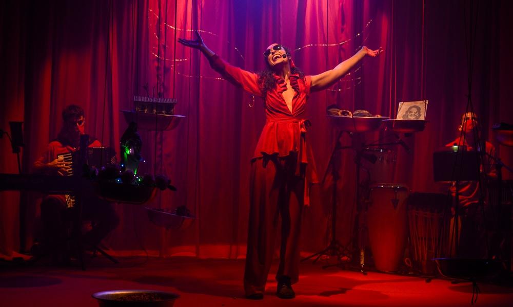 """Espetáculo musical """"Vovó era preta"""" narra trajetória de mulher pioneira da Zona do Cacau Baiano"""
