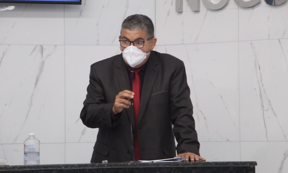 Vavau solicita ampliação da área poliesportiva da Praça Abrantes