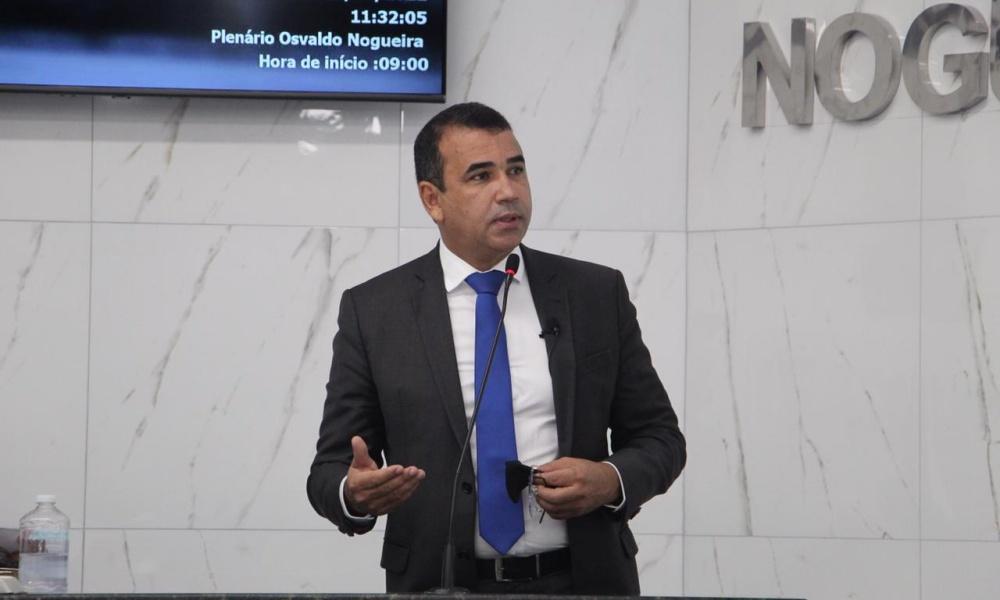 Júnior Borges solicita regularização fundiária no bairro do Tancredo Neves