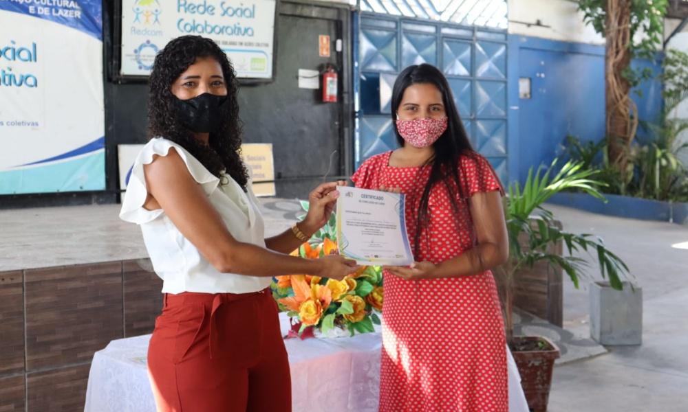 Curso gratuito de marketing digital qualifica 25 empreendedores culturais de comunidades de Camaçari