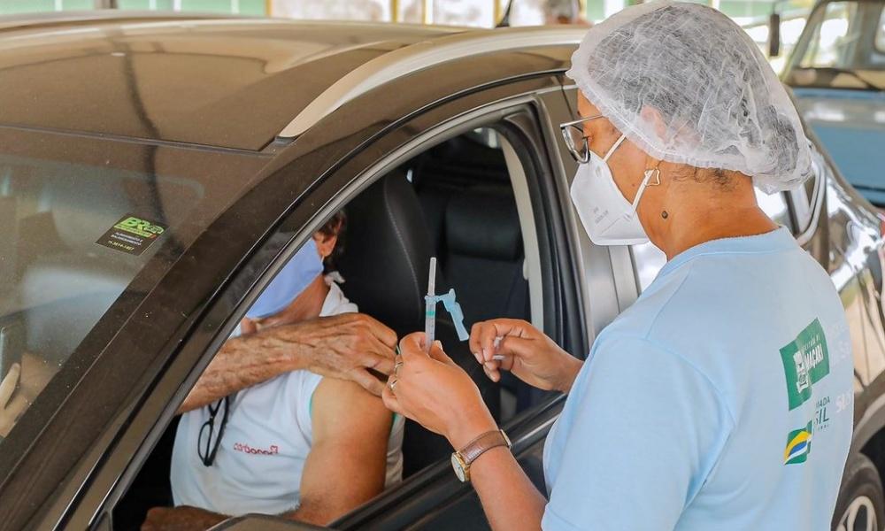 Vacinação contra a Covid-19 é retomada hoje em Camaçari