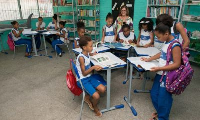 Professores da rede municipal de Salvador decidem não voltar às aulas presenciais