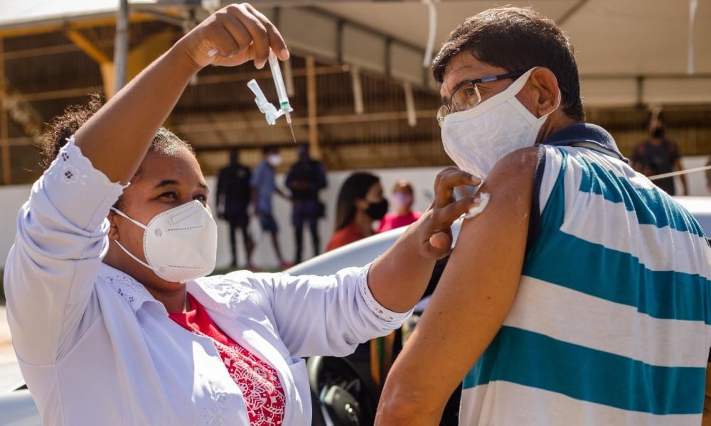 Vacinação contra Covid-19 em Lauro de Freitas está suspensa