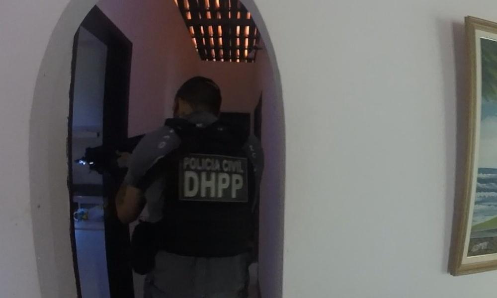Operação apreende 50 kg de cocaína em chácara em Monte Gordo