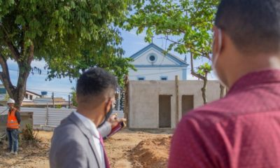 Vila de Abrantes: Dr. Samuka critica construção de quiosque na Praça da Matriz