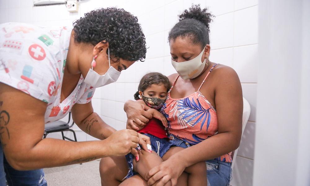 Prefeitura de Lauro de Freitas expõe baixa adesão à vacina da gripe