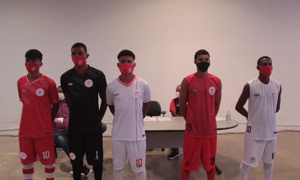 Camaçariense apresenta novo uniforme e elenco para disputa do Campeonato Baiano