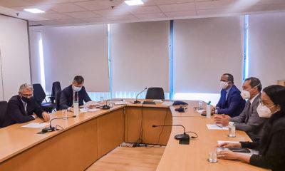Elinaldo discute tratativas para implantação do Hospital Municipal de Camaçari em reunião em Brasília