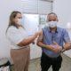 Portador de hipertensão arterial, Elinaldo é vacinado contra Covid-19 em Camaçari