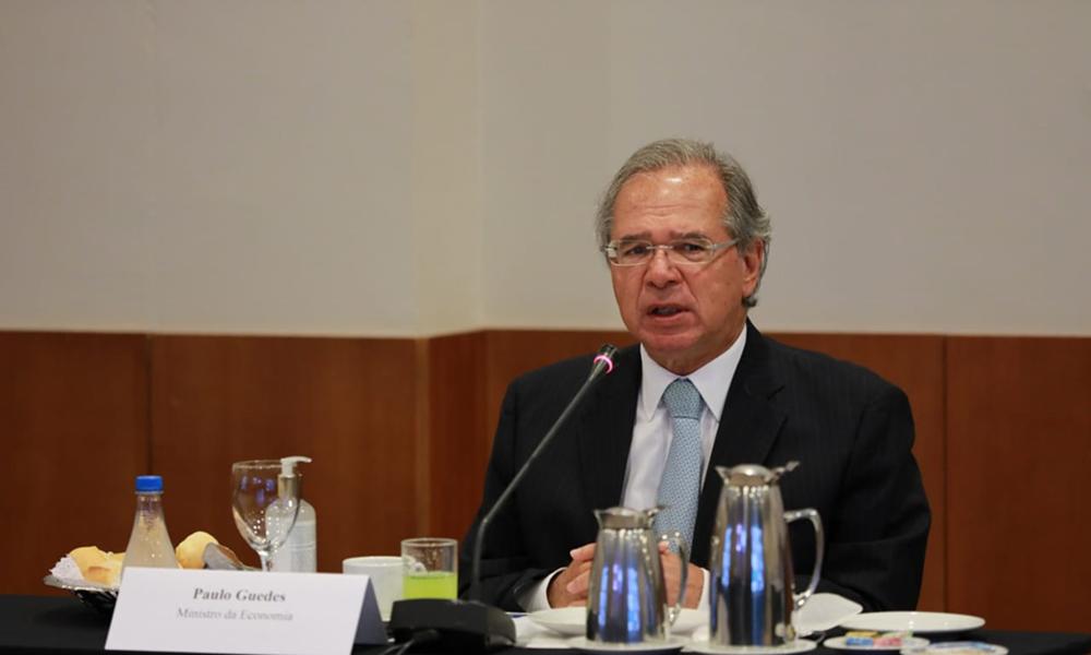 Paulo Guedes diz que auxílio emergencial pode ser renovado caso pandemia se agrave