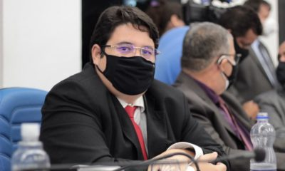 Tagner Cerqueira pede fixação das listas de medicamentos em estoque nas unidades de saúde