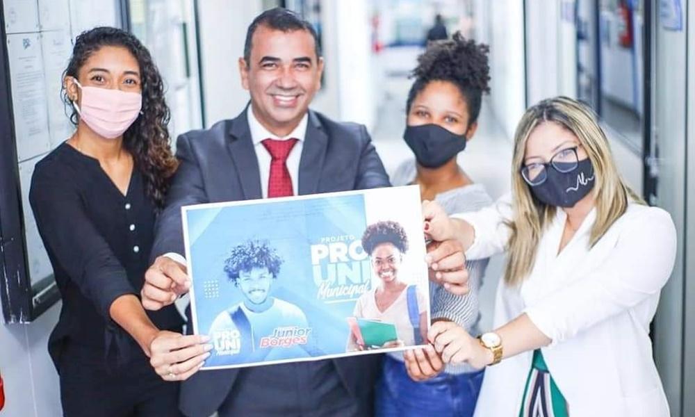 Júnior Borges propõe criação de bolsas universitárias para pessoas em vulnerabilidade social
