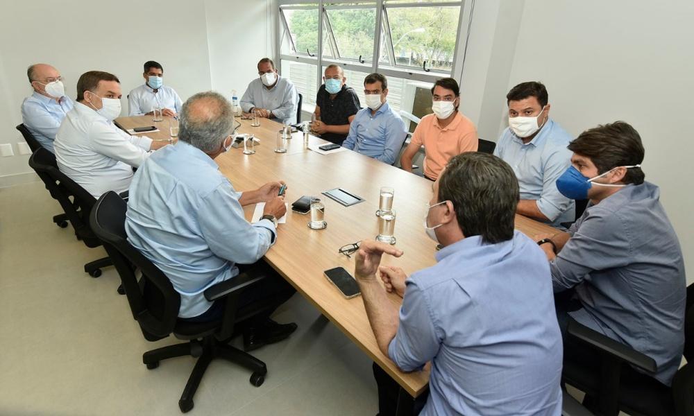 ACM Neto se reúne com deputados estaduais para debater projeto de viagens ao interior