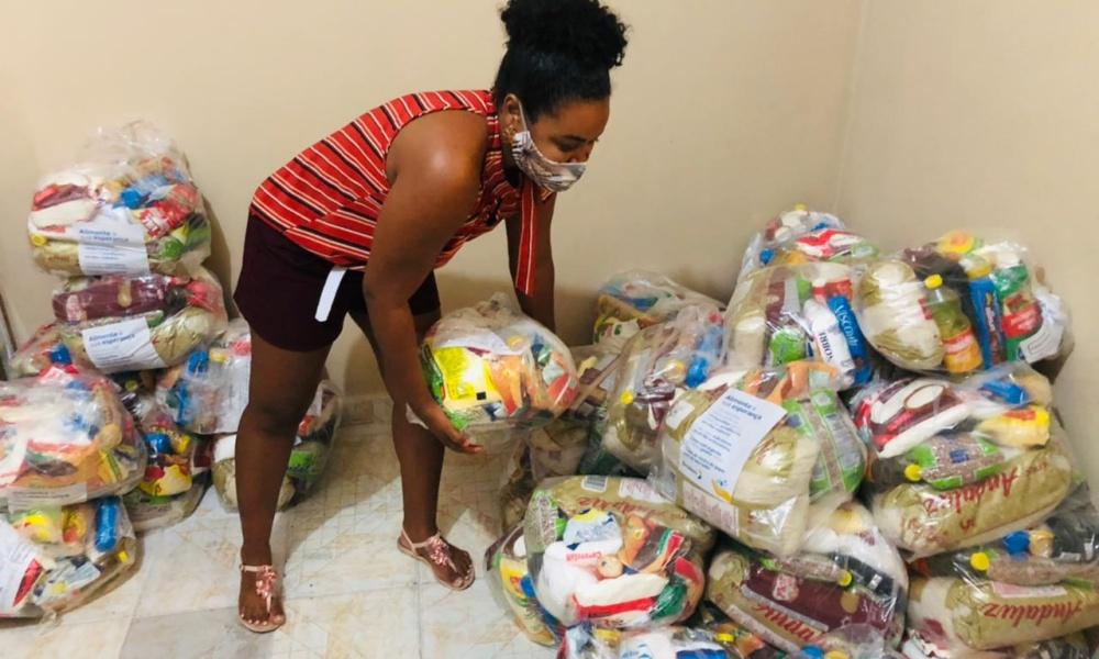UDEC realiza entrega de 200 cestas básicas e material de higiene a famílias de pessoas com deficiência