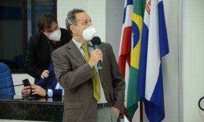 Em audiência pública na Câmara, Elias Natan esclarece sobre público-alvo da vacinação