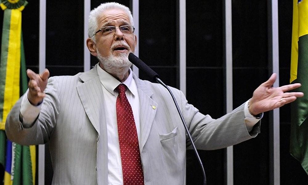 Após complicação de cirurgia, Jorge Solla volta a ser internado em Salvador