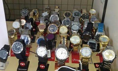 Homem é preso com 44 relógios roubados em Dias d'Ávila