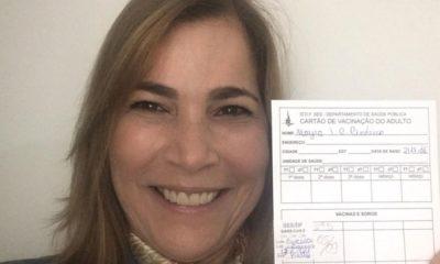 'Capitã Cloroquina', secretária Mayra Pinheiro toma vacina contra Covid-19