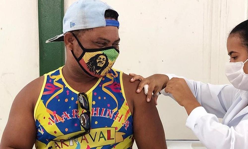 Pessoas com 50 anos serão vacinadas hoje em Dias d'Ávila