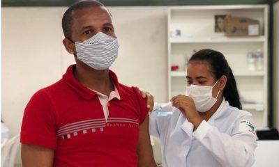 Covid-19: Dias d'Ávila começa a vacinar pessoas com 37 anos hoje
