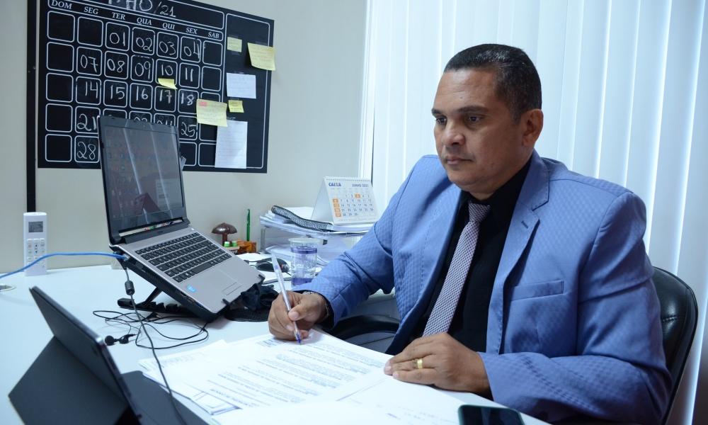 Câmara aprova inclusão de trabalhadores do setor industrial como prioridade para vacinação contra Covid-19